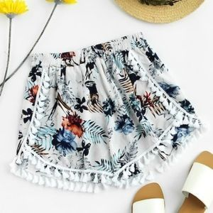 💥JUST IN💥 Palm Leaf Tassel shorts